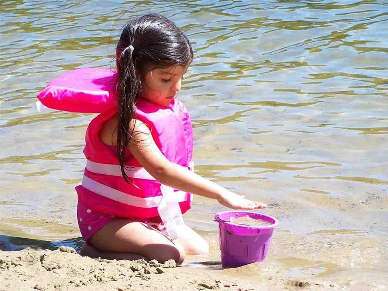 test-schwimmweste-rettungsweste-kinder